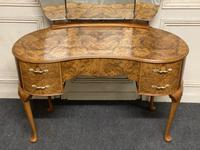 Queen Anne Burr Walnut Kidney Dressing Table (15 of 17)