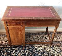 Small Arts & Crafts Oak Desk c.1907 (3 of 6)