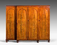 Mid 19th Century Mahogany Wardrobe (2 of 7)
