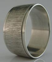 Mid Century Modern Sterling Silver Textured Napkin Ring 1968 Mappin & Webb
