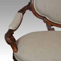 Victorian Walnut Love Seat (4 of 9)