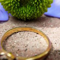 Dainty Vintage 18ct Gold Diamond Flower Ring (5 of 7)