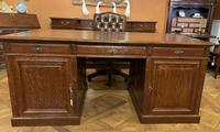 Important French Pedestal Desk from 19th Century in Oak (13 of 13)