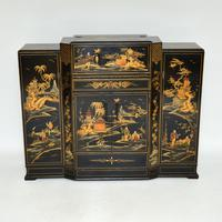 Art Deco Lacquered Chinoiserie Drinks Cabinet / Sideboard