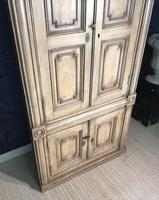 Pine Barrel Back Corner Cupboard in Original Paint (4 of 18)