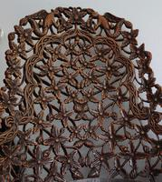 Burmese intricately carved settee in extremely good condition. (5 of 9)