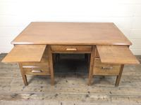 Early 20th Century Oak Desk with Six Drawers (8 of 10)