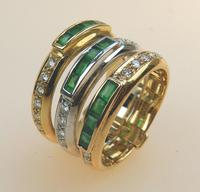 Stunning 18ct Gold, Diamond & Emerald Ring 17/n in Original Box 20th Century