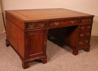 Fine Early 19 Century Partner Desk in Mahogany (5 of 10)