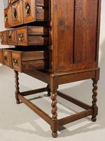 A Handsome Late 17th Century Block Fronted Oak and Mahogany Chest (3 of 5)