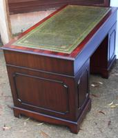 1960's Large Mahogany Pedestal Desk with Green Leather Inset + Key (3 of 4)