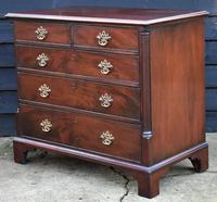 Good Quality Georgian Mahogany Chest of Drawers with Quarter Columns c.1760 (3 of 12)