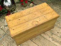 Wonderful Restored Old Pine Blanket Box / Chest / Trunk / Coffee Table (4 of 8)