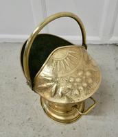 Victorian Brass Helmet Coal Scuttle (5 of 6)