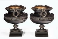 Handsome Pair of 19th Century Bronze Neoclassic Urns (4 of 6)