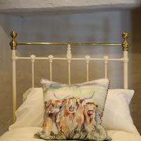 Cream Straight Top Rail Victorian Single Antique Bed with Brass Detailing (5 of 6)