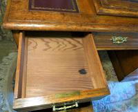 Edwardian Oak Pedestal Desk with Gallery (5 of 9)