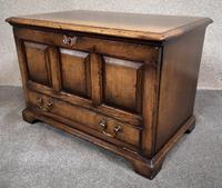Titchmarsh & Goodwin Oak Miniature Fall-Front Dower Chest RL21422 (3 of 11)