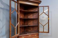 18th Century Oak & Mahogany Corner Cabinet (7 of 9)