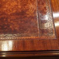 Edwardian Mahogany Large Pedestal Desk (8 of 13)