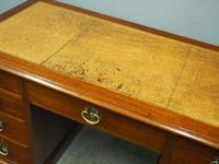 Georgian Style Walnut Writing Desk c.1910 (5 of 11)