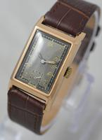 1943 9K Gold 'Tank' Wristwatch (3 of 5)