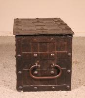Nuremberg Chest or Pirate Chest 17th Century in Wrought Iron (9 of 12)