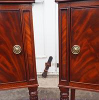 Fine Pair of Gillows Style Mahogany Bedsides (2 of 7)