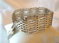 Vintage Sterling Silver Gate Bracelet 1976 St Christopher & Heart Padlock 34.3 Grams (3 of 12)