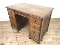 Early 20th Century Oak Kneehole Desk (12 of 14)