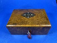 French 19th Century Burr Cedar Box. (12 of 14)