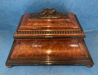 Victorian Burr Cedar & Ebony Shaped Tea Caddy (13 of 20)