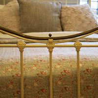 Cream Small Double Antique Bed (4 of 7)