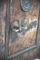 Antique Metal Safe (14 of 18)