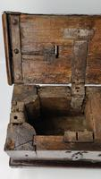 Early 16th Century Coin Chest (12 of 18)
