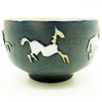 Good British Art Studio Pottery Bowl with Stylised Galloping Horses 20th Century (2 of 8)