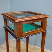 Bijouterie Display Table (4 of 5)