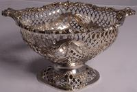 Beautiful Set of Three Matching Victorian Silver Dishes by Charles Stuart Harris, London 1899 & 1900 (6 of 13)