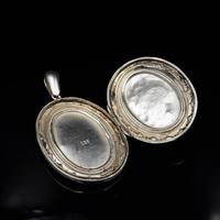 Antique Victorian Engraved Oval Sterling Silver Photo Locket Pendant (2 of 9)