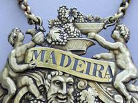"George III Cast Silver Gilt ""Two Putti"" Wine Label 'Madeira' (3 of 10)"