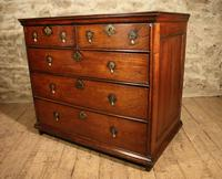 Early 18th century oak chest of drawers
