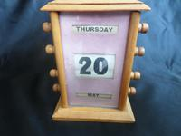 Golden Oak Perpetual Calendar - Fully Working (3 of 5)