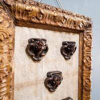 5 Carved Heads in Gilt Frame (4 of 10)