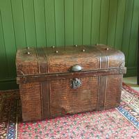 ANTIQUE Victorian Steamer TRUNK Old Tin Travel TRUNK Coffee Table Shabby Chic Metal Storage Chest (11 of 12)