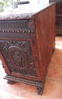 Carved Italian Walnut Chest of Drawers 5 Drawers 1760 (5 of 10)