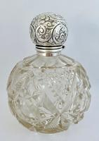 Large Silver Mounted Scent Bottle (7 of 8)