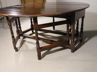 Good & Unusual Early 18th Century 8 Seater Gateleg Table (4 of 7)