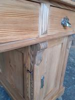 Pine Knee Hole Desk (5 of 6)