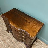 Victorian Mahogany Serpentine Front Antique Chest of Drawers (5 of 6)