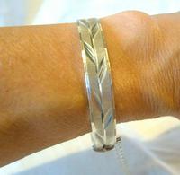 """Vintage Sterling Silver Bangle 1975 Ornate Leaf Decoration 22.8 Grams 7"""" Length (9 of 10)"""